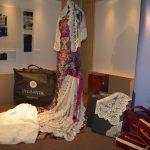 Un traje de Valencia a subasta a beneficio de Casa Caridad