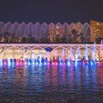El lago del Hemisfèric acoge un espectáculo de luz, agua y sonido en torno a las esculturas de Tony Cragg